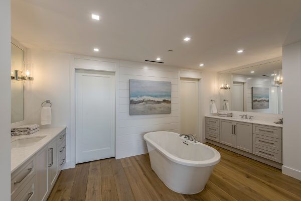 13915 Old Coast Road 1002-print-007-6-Master Bath-4200x2804-300dpi