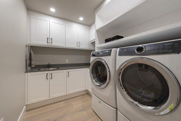 13915 Old Coast Rd PH06 Naples-print-019-010-Laundry-4200x2804-300dpi